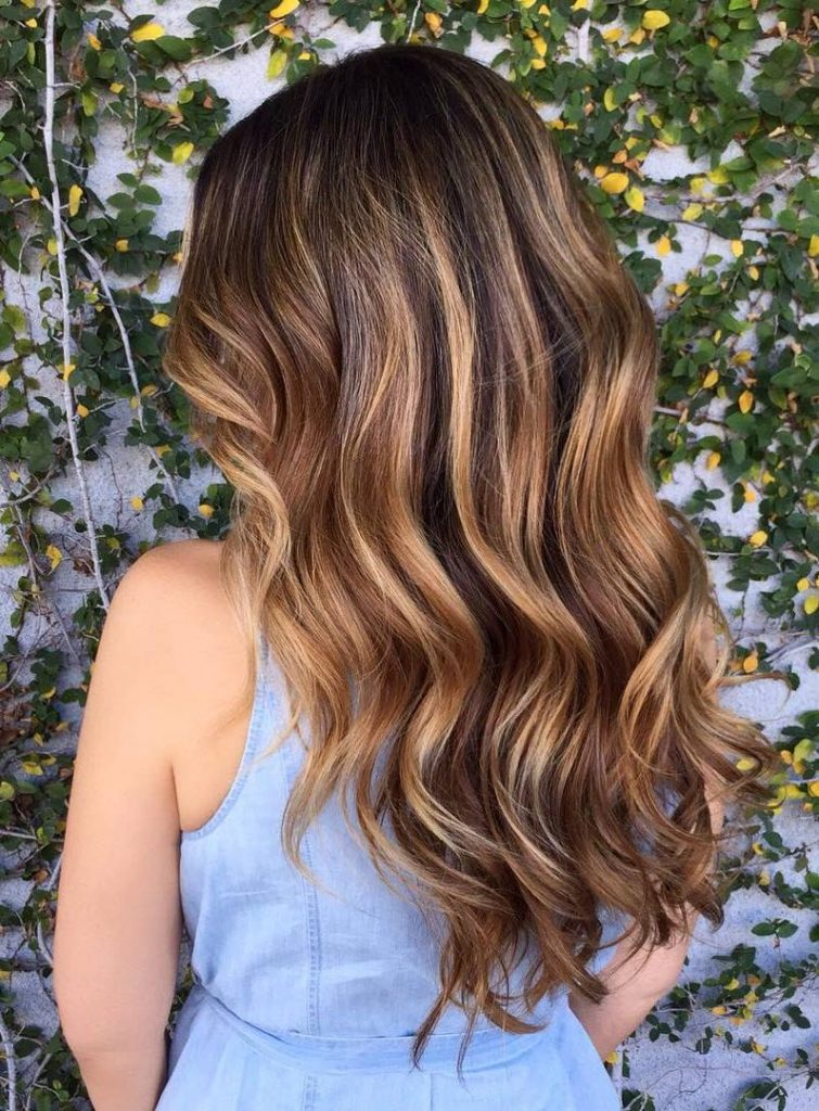 65 Hairstyle Inspirations For Achieving Your Dreamy Caramel Highlights